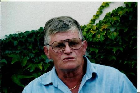 Jean- Claude Bourgogne