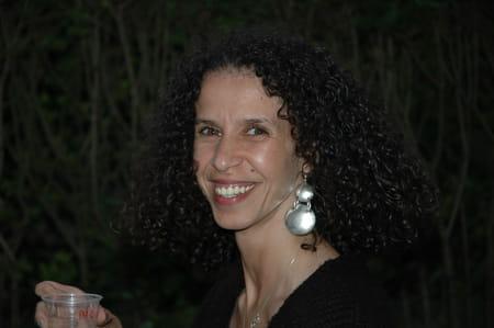 Nora Ladjani