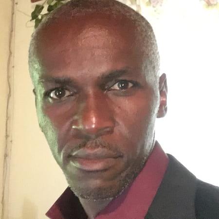 Luc  Armand Ahanda  Ndoumbé