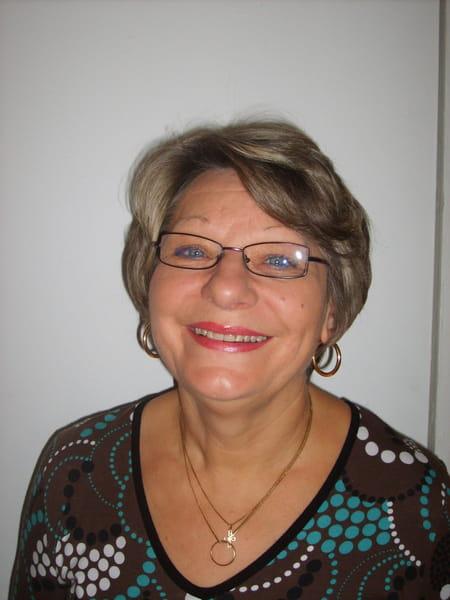 Yvette Yvette  Larionoff