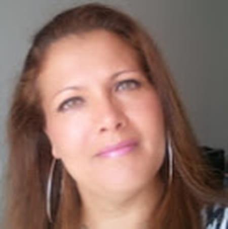 Isabelle Velia