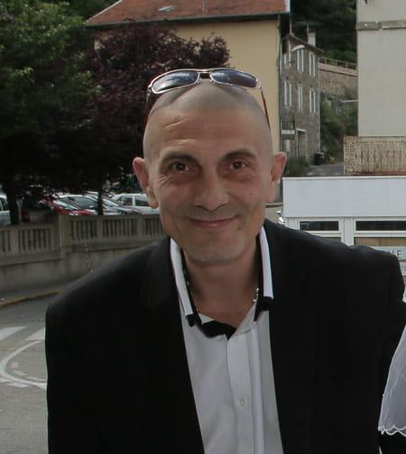 Laurent mesure 47 ans vals les bains montlhery saint for Garage etienne vals les bains