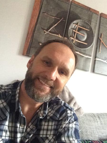 dominique bader 48 ans kingersheim staffelfelden bel air copains d 39 avant. Black Bedroom Furniture Sets. Home Design Ideas