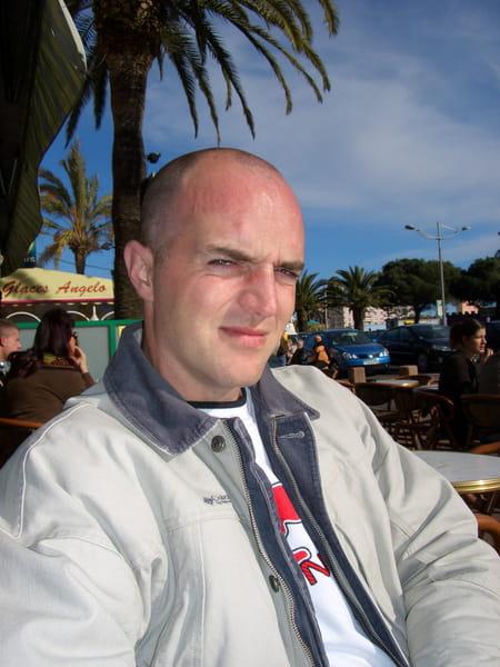 Michael nativel 40 ans draguignan mantes la ville for Garage opel frejus