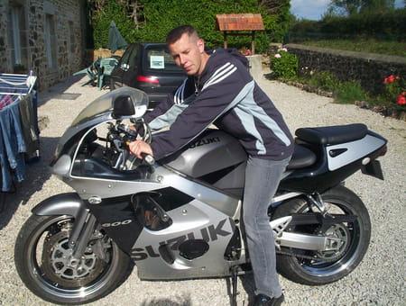 Tonny perrotte 36 ans teurtheville bocage saint vaast for Feu vert cherbourg