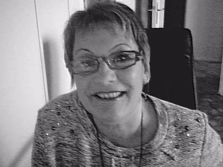 Sylvie pignot 55 ans copains d 39 avant for Salon rochepinard tours