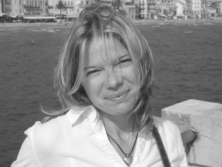 sandra martin courtois 45 ans antibes nice copains d 39 avant. Black Bedroom Furniture Sets. Home Design Ideas
