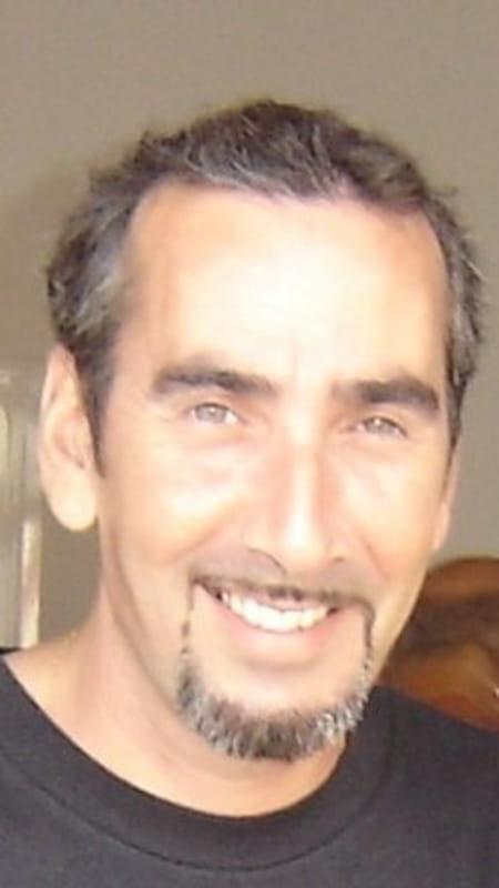 Michel gonzalez 49 ans calpe paris levallois perret for Bineau mural levallois perret