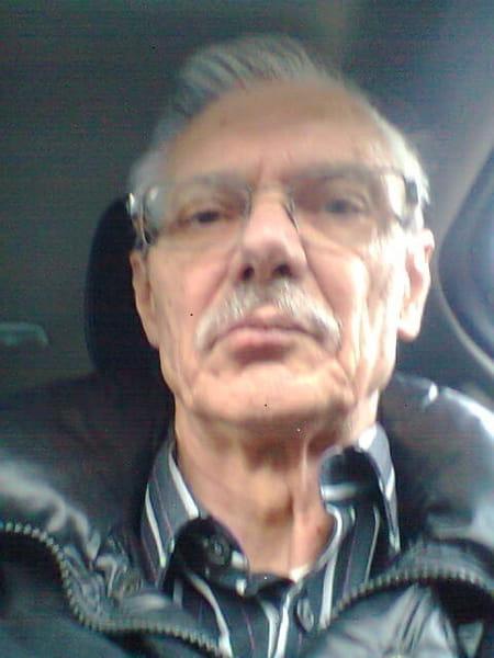 Bernard renault 72 ans saint ouen l 39 aumone paris copains d 39 avant - Garage renault saint ouen l aumone ...