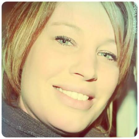 Amandine blanc 36 ans margny les compiegne compiegne for Salon 2000 compiegne