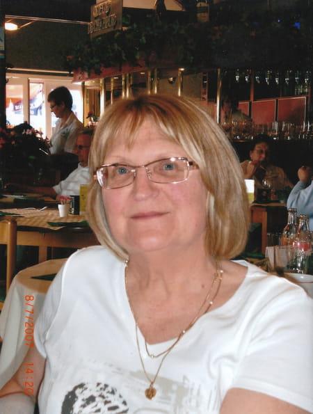 Nicole Pierru