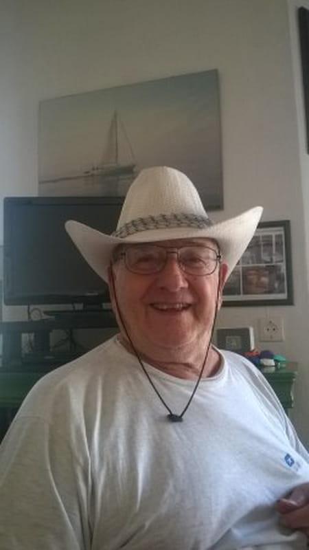 Serge gaillard 81 ans argenteuil copains d 39 avant for Salon 81 argenteuil