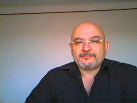 J- Charles Guillermaz