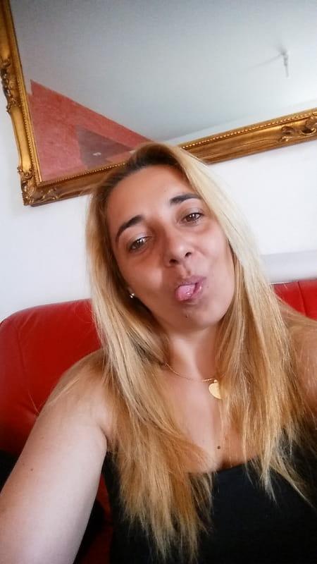 Emmanuelle Henon