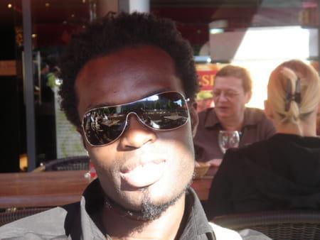 Stephane Ekoue  Bla