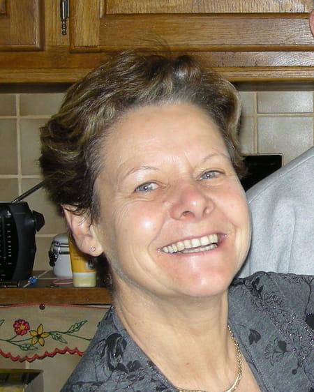 Josiane De  Luca