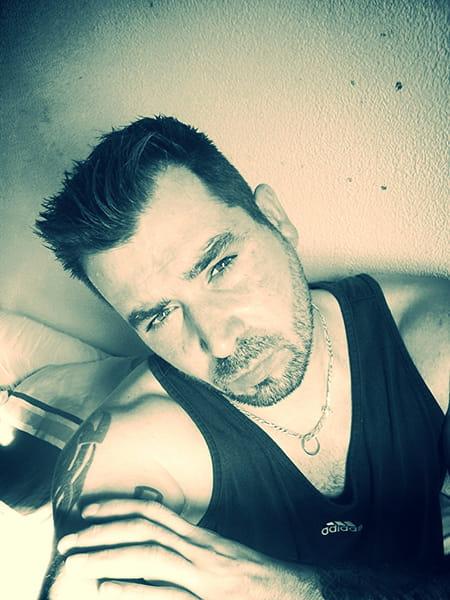 Laurent lefevre 37 ans compiegne montlhery copains d for Salon 2000 compiegne