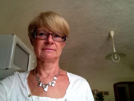 Brigitte camus deledicq 68 ans lille copains d 39 avant for Brigitte camus