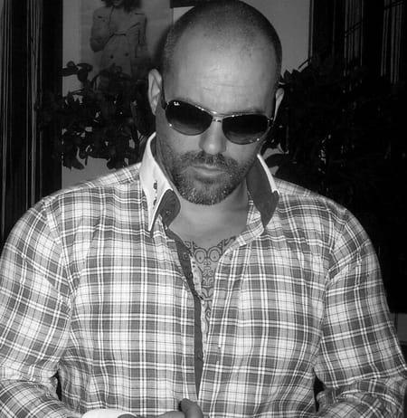 mathieu isnard 41 ans bonnieres sur seine copains d 39 avant. Black Bedroom Furniture Sets. Home Design Ideas