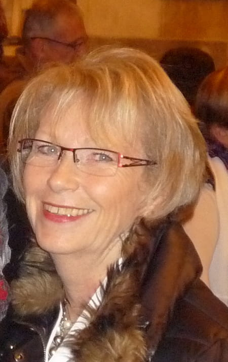 Mireille guillou brunet 66 ans domerat colombes for College domerat