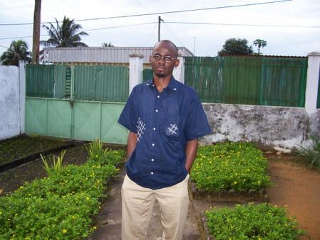 Raymond  Didier Belek  Ngwanza