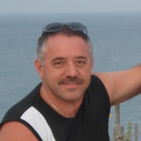 bruno mazoyer 51 ans chalon sur saone copains d 39 avant. Black Bedroom Furniture Sets. Home Design Ideas