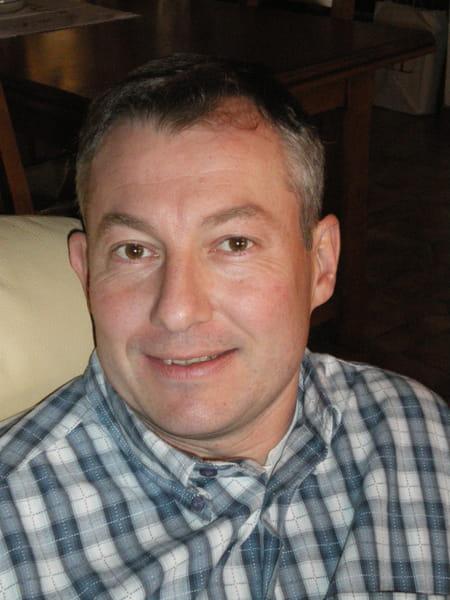 Fabrice cuisinier 47 ans bourg en bresse miribel for Recherche cuisinier