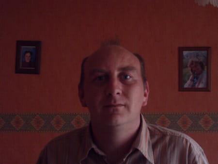 Michael huart 40 ans aniche lesquin copains d 39 avant for Dhl salon de provence