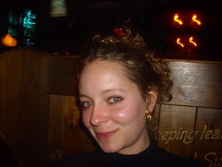 Milie derb s 31 ans salon de provence copains d 39 avant - College jean bernard salon de provence ...