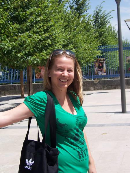 Emilie dujardin 40 ans meaux paris copains d 39 avant for Entreprise dujardin
