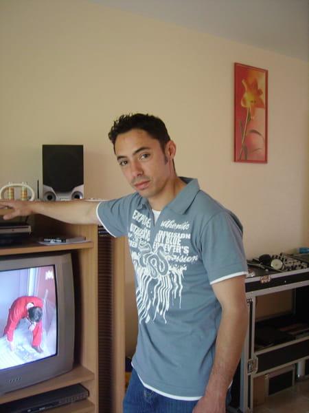Yannick lorenzo 36 ans thil aussonne copains d 39 avant - Lorenzo prenom ...
