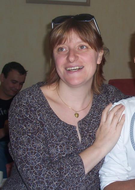 Christelle lanoir 43 ans les cotes d 39 arey givors for Garage danielle casanova