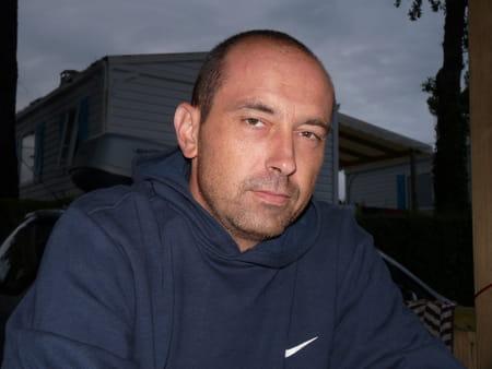 Ludovic waquet 46 ans roubaix copains d 39 avant for Cuisinella brignoles roubaix