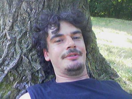 Herve dujardin 46 ans vitry en artois copains d 39 avant for Dujardin herve