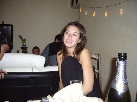 Audrey chazaud 34 ans avignon marseille copains d 39 avant - Podologue salon de provence ...