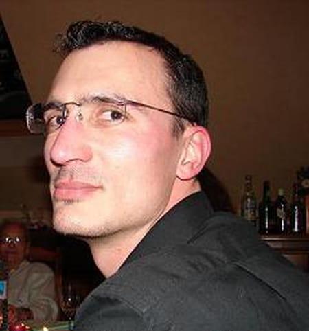 Olivier espanol 41 ans champagne sur seine varennes sur for Garage metin meaux