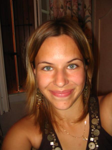 Julie Mariette 32 Ans La Fleche Osmanville Carentan
