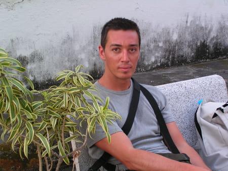 sebastien coulm 43 ans charenton le pont pontault combault niort copains d 39 avant. Black Bedroom Furniture Sets. Home Design Ideas