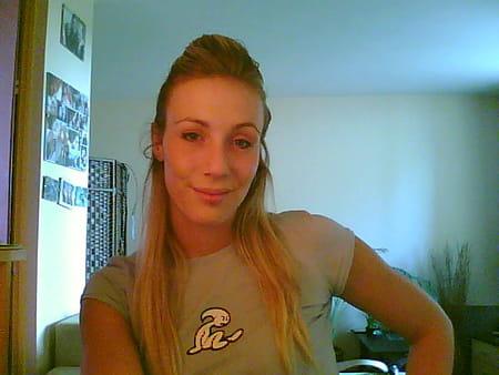 Celine Bernier Nude Photos 36