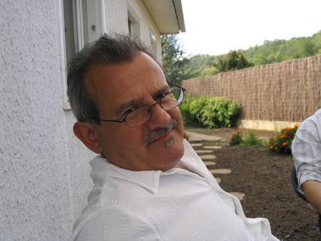 Jacky garnier 65 ans coulommiers paris copains d 39 avant for Garage peugeot montigny les cormeilles