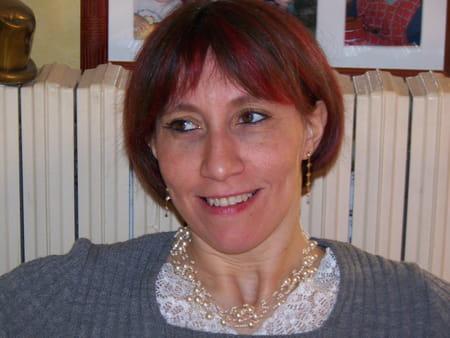 Alexandra monoir 44 ans savoie angers copains d 39 avant for Bureautique angers