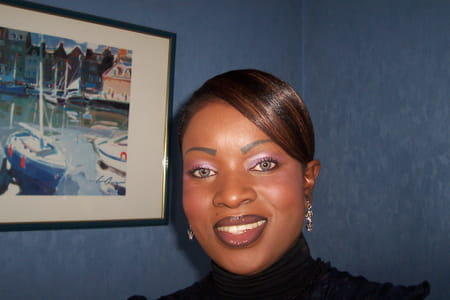 Adele mpindi 42 ans colombes copains d 39 avant for Adel salon services