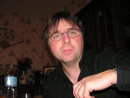 Thierry piel 53 ans segrie fresnay sur sarthe sille le for Laboratoire salon kennedy