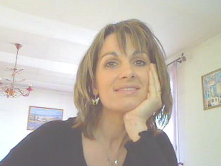 Pauline corallo sory 39 ans brignoles roubaix marseille copains d 39 avant for Cuisinella brignoles roubaix
