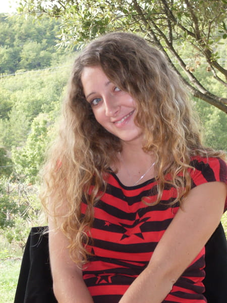 Delphine sanchez 34 ans auriol salon de provence aix - College jean bernard salon de provence ...