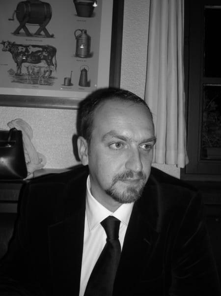 Thierry DORDAIN, 46 ans (BOIS GUILLAUME, MONT SAINT AIGNAN) Copains d'avant # Super U Bois Guillaume
