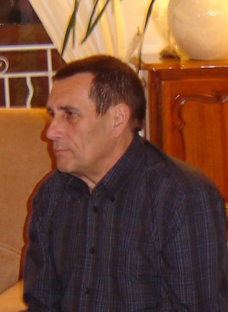 Jean luc lagrange 67 ans salon de provence cap d 39 agde for Salon luc