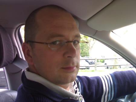 Franck negri 47 ans branges copains d 39 avant for Garage 2000 montreuil