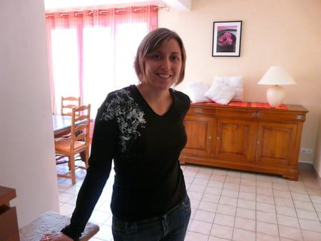 Anne sophie marsigny 32 ans compiegne copains d 39 avant for Salon 2000 compiegne
