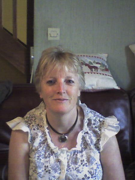 Marilyn burtin bataille 54 ans iville amfreville la for Garage dolpierre elbeuf